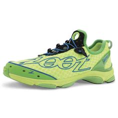 The Ultra TT continues the heritage of Triathlon greatness. No other shoe has won more triathlon podiums than the Ultra TT. Triathlon Running Shoes, Triathlon Training Plan, Running Shoes For Men, Shoes Without Socks, Running Shoe Reviews, Everyday Shoes, Bike Run, Sports Equipment, Types Of Shoes