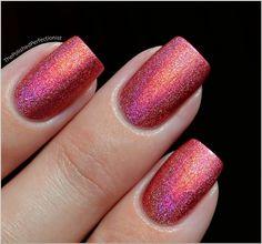 Nails, Nail Polish, Nail Art / Pupa Holographic Strawberry