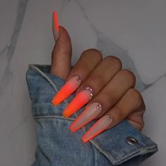 Jadore Fancy Boutique on NailFetish how cute is this glow in the dark nails from fancy_nails_lashes Drip Nails, Aycrlic Nails, Neon Nails, Swag Nails, Pink Nails, Pastel Nails, Neon Nail Colors, Summer Nails Neon, Rainbow Nails