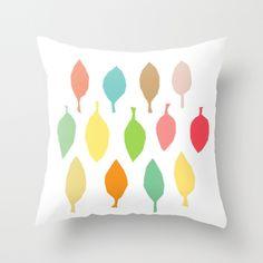 Kissen mit bunten Blättern // pillow with colorful leaves via DaWanda.com