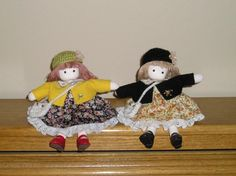 Green Tree wind-up musical dolls lot of 2