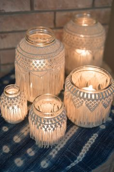 Boho Decorating Ideas For Your First Cozy Home Decor Tips is part of Macrame - Boho Decorating ideas for your first apartment or small space living room that include 17 easy bohemian decor ideas to make your home cozy Décor Boho, Bohemian Decor, Boho Diy, Bohemian Crafts, Bohemian Beach, Cheap Home Decor, Diy Home Decor, Creation Deco, Homemade Home Decor