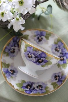 Raindrops and Roses - Beautiful Tea Cup & Saucer with Purple Pansies & Gold-coloured Gilt Trim ~ -