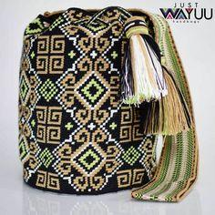 194 отметок «Нравится», 1 комментариев — Just Wayuu (@just.wayuu) в Instagram: «Handcrafted handbags made by indigenous wayuu in the north of Colombia. Worldwide shipping – envíos…»