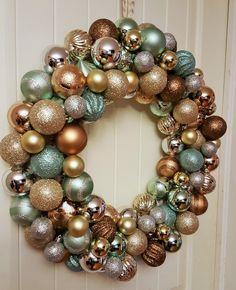 Simple diy ornament wreath christmas stuff pinterest christmas ornament wreath craft decorationsdiy solutioingenieria Image collections