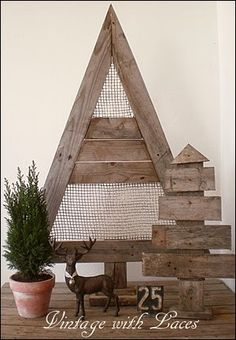 Today I'd like to show you some beautiful pallet wood Christmas decorations. Pallet Wood Christmas Tree, Christmas Wood Crafts, Noel Christmas, Primitive Christmas, Rustic Christmas, Christmas Projects, Holiday Crafts, Christmas Decorations, Holiday Decor