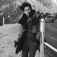   : @colesprouse