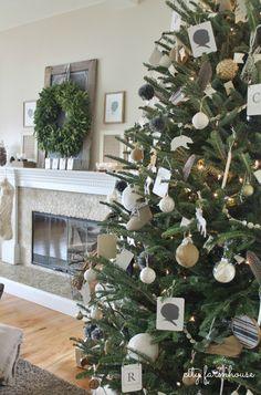 City Farmhouse Family Room Holiday Tree