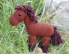 sweet little horse amigurumi crochet toy pattern