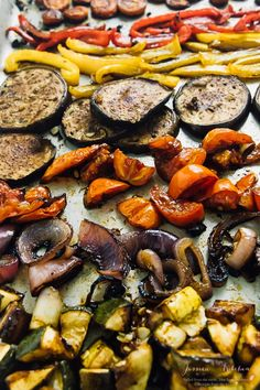 Learn how to roast vegetables in your oven in this flavourful balsamic vinegar marinade! Great for easy meal prep and they come out juicy and delicious! Marinated Vegetables, Roasted Vegetable Recipes, Grilled Veggies, Veggie Recipes, Vegetarian Recipes, Cooking Recipes, Healthy Recipes, How To Roast Vegetables, Vegetarian Grilling