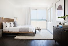 that bed! (from Apartment 34 | How to Decorate a Beach-Inspired Home)