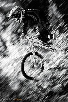 #Downhill - BW - Rider