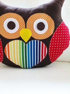 Almofada coruja - gostei da combinação de cores dá pra fazer em scrapbook