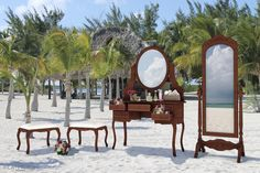 Mirror decoration details - Beach wedding