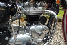 Classic Triumph Motorcycles, Triumph T120, Triumph Cafe Racer, British Motorcycles, Triumph Bonneville, Motorcycle Engine, Motorcycle Design, Bike Shed, Classic Bikes