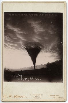 Zdjęcie tornada w Waynoka. 17 maj 1898 r Tornadoes, Thunderstorms, Oklahoma Tornado, Tornado Alley, Wild Weather, Land Of Oz, Miami, No Rain, Natural Disasters