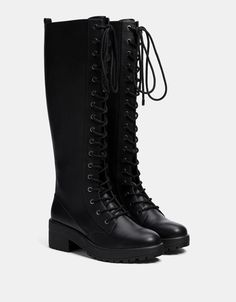 botas bershka Lace-up platform tall boots - New - Bershka Ukraine Cute Boots, Tall Boots, Moda Pop, Fashion Shoes, Fashion Outfits, Emo Outfits, Pretty Shoes, Leather Shoes, Me Too Shoes