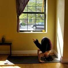 I need a nice corner/wall like this for practicing my yoga headstands.