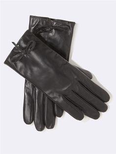 http://www.cyrillus.fr/gants-femme-en-cuir-noir.htm?ProductId=104210266