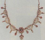Historical fashion inspiration | www.myLusciousLife.com - Victorian Pearl & Ruby Necklace