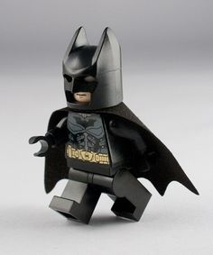 One of my favorite DC Universe Batman LEGO Super Heroes Minifigure characters. Enjoy Will Arnett's voice over work with this tiny little Batman character in the LEGO movies. Legos, Lego People, Lego Man, Lego Minifigs, I Am Batman, Lego Worlds, Batman Family, Lego Super Heroes, Cool Lego