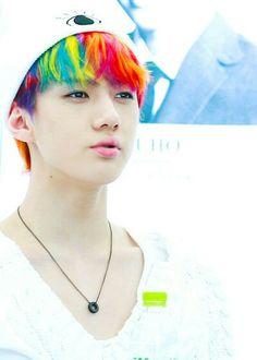 *--* Sehun, you look like a majestic unicorn! Chanyeol Baekhyun, Exo K, Park Chanyeol, Hunhan, Exo Ot12, Kris Wu, Sehun Cute, Army Love, Exo Members