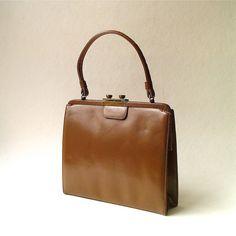 Mod vintage Brown Leather Purse $40