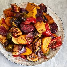 Scrumptious Roasted Vegetables -Scrumptious Roasted Vegetables - The best oven roasted vegetables ever! Made quickly and effortlessly. Every vegetable is cooked to perfection. Roasted Vegetable Recipes, Roasted Root Vegetables, Veggie Recipes, Vegetarian Recipes, Cooking Recipes, Healthy Recipes, Vegan Vegetarian, Grilled Vegetables Oven, Paleo