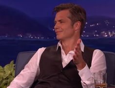 Timothy Olyphant Shares Justified's Leftover Whiskey With Conan - Timothy Olyphant