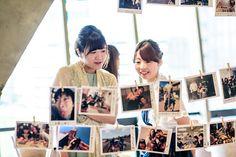 定番じゃつまらないなら♡《フォトガーランド》を普通より可愛くするアイデアまとめ | marry[マリー] Photo Wall, Polaroid Film, Frame, Picture Frame, Photograph, Frames
