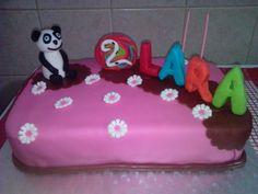 Para o 2ª aniversário da princesa mais nova, um bolinho simples com o amigo panda