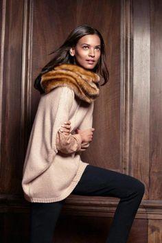 #AnnTaylor A fur neck warmer = instant elegance