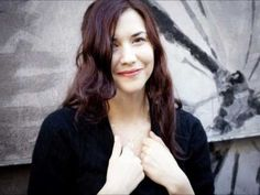 ▶ Lisa Hannigan - Here Comes The Sun (The Beatles cover) - YouTube