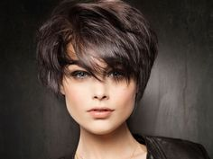 The best collection of Very Short Bob Haircuts Latest and best Very Short bob hairstyles, haircuts, hairstyle trends Messy Short Hair, Short Hair With Layers, Short Hair Cuts For Women, Thick Hair, Wavy Hair, Tousled Hair, Hair Styles 2014, Medium Hair Styles, Short Hair Styles