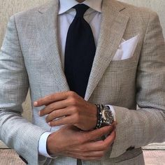 she ruins this suit! Classic Men, Tie And Pocket Square, Pocket Squares, Mature Men, Blazers For Men, Well Dressed Men, Dress For Success, Gray Jacket, Men Looks
