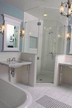 Светлая ванная комната: