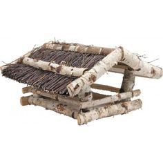 ---Mangeoire à oiseaux---   Grande mangeoire en bois de bouleau avec toit en brindilles tressées, à poser. Cette mangeoire traditionnelle se fondra à la perfection dans votre jardin et attirera les oiseaux du jardin.