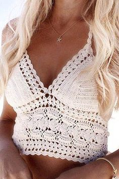 🔥LAST ONE🔥 Crochet top. Such pretty crochet detail. Price firm unless bundled. Be sure to check your measurements in centimeters 💞 Tops Crop Tops Crochet Halter Tops, Crochet Summer Tops, Crochet Bikini Top, Knitted Swimsuit, Gilet Crochet, Crochet Lace, White Crochet Top, Cotton Crochet, Vintage Crochet