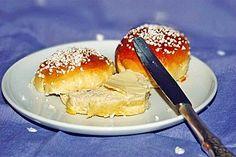 Finnische kleine süße Brötchen (Pikkupullat), ein tolles Rezept aus der Kategorie Brot und Brötchen. Bewertungen: 63. Durchschnitt: Ø 4,6.