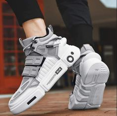 Refresh your usual style with a new WannaDrip favorite. You can keep your look simple and attractive by pairing your sneakers with any of our shorts, jeans or pants. Men's Shoes, Nike Shoes, Shoes Sneakers, Sneakers Design, Baby Shoes, Sneakers Fashion, Fashion Shoes, Mens Fashion, Brm Watches