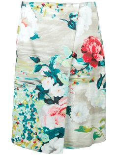 Antonio Marras Floral Skirt / pair with a simple solid top New Wardrobe, Summer Wardrobe, Wardrobe Staples, Straight Skirt, Summer Essentials, Colorful Fashion, Antonio Marras, Summer Collection, Passion For Fashion