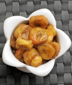 Low-cal Bananas Foster dessert!  Instead of butter and sugar, we used honey and coconut oil.  It's too delicious to pass up! #skinnyslowcooker #healthydesserts