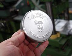 geprägte Blechddose, rund im Format 95x31mm