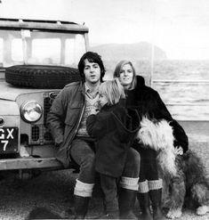Paul McCartney and Linda McCartney (Land Rover series one) Paul Mccartney, Heather Mccartney, Landrover Defender, Defender 110, Foto Beatles, The Beatles, Beatles Photos, Linda And Heather, Martha My Dear