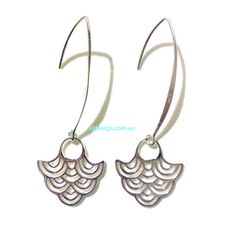 A pair of stylish sterling silver art deco fan bridal bridesmaid dangle earrings with distinct Japanese waves or some may see them as inverted dome patterns. This ocean inspired jewelry is made of authentic sterling silver bodies which hang beautifully from hooks stamped 925. They are simple and effortless minimalist jewelry, lightweight and practical to wear on weddings, bridal parties and casual everyday events. Earrings are about 2 (5cm) including hooks. Matching necklace at https:/&#...