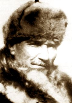 Atatürk'ün çok az bilinen fotoğrafları İşte çok az bilinen kareleriyle Mustafa Kemal Atatürk ve 10. Yıl Nutku'nda 'BÜYÜK BAYRAM' diye nitelediği 29 Ekim Cumhuriyet Bayramı'nın önemi... Ottoman Turks, Riders On The Storm, Turkish Army, Mens Fur, Cultural Identity, Fathers Love, Great Leaders, Historical Pictures, Iron Age