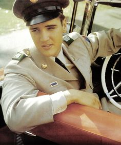 June 2, 1958. OMG, Pinterest is a Gold Mine for an Elvis Fan, Check it Out! http://pinterest.com/yellowhammer69/elvis/