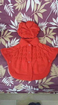 Crochet Fast And Easy Star Stitch Baby Poncho - desktop Crochet Baby Poncho, Knitted Poncho, Knit Crochet, Poncho Knitting Patterns, Knitting Designs, Knit Patterns, Baby Cardigan, Knitting For Kids, Hand Knitting