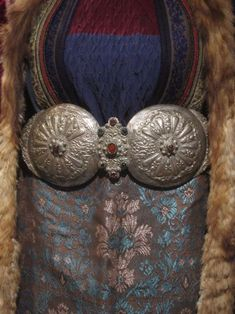 """Macedonian antique female belt buckle, called """"pafti"""". Greek Traditional Dress, Traditional Outfits, Folk Clothing, Historical Clothing, Macedonia People, Folk Costume, Costumes, Medieval, Republic Of Macedonia"""