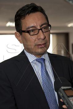 Mauricio Olivera, Viceministro de Trabajo, explica las nuevas políticas de la entidad para promover la demanda y oferta de empleo a nivel nacional y de esta forma, disminuir los índices de desempleo conforme las políticas del Presidente Juan Manuel Santos Calderón.